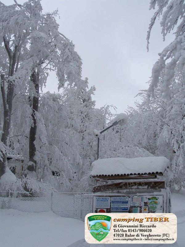 ingresso-neve-camping-tiber-fumaiolo-balze