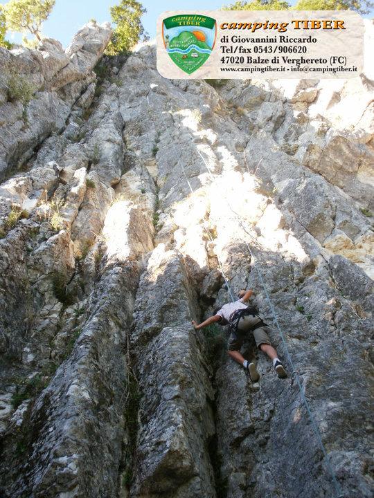 parete-camping-tiber-fumaiolo-balze
