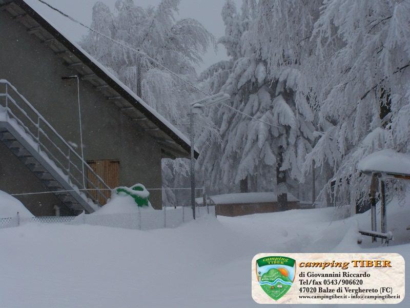 campeggio-neve-camping-tiber-fumaiolo-balze (2)